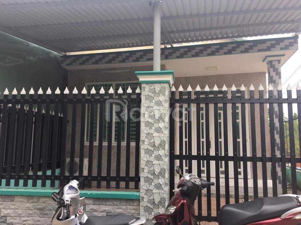 Bán nhà Tân Định mặt tiền QL13 Bình Dương bên cạnh Thịnh Gia
