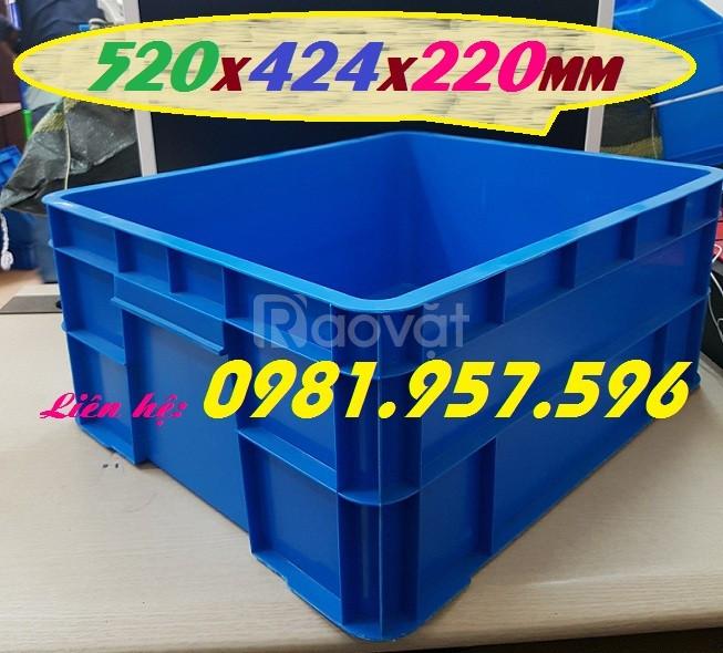 Sóng nhựa bít B8, thùng đặc 2t2, thùng nhựa đựng dụng cụ