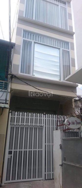 Chính chủ bán nhà nhỏ 3 tầng hẻm rộng đường 2/4 gần chợ đầm trung tâm