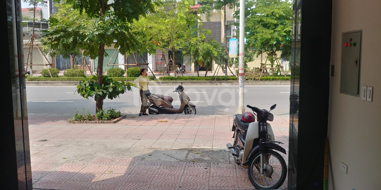 Bán nhà mặt phố Nguyễn Văn Linh,Phúc Đồng, Long Biên 50m 6.2tỷ.
