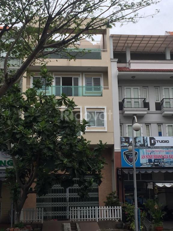 Cực phẩm nhà 5 lầu có thang máy khu Nam Long, Phú Mỹ Hưng cần cho thuê