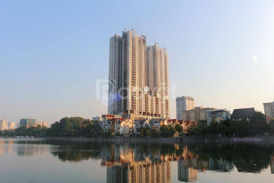 Bán biệt thự mặt hồ Văn Quán, tặng Full nội thất DT 213m2 giá 30 tỷ (ảnh 1)