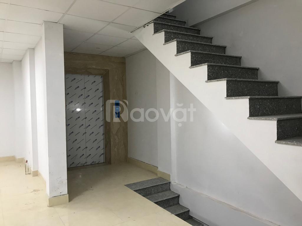 Cần cho thuê căn hộ làm văn phòng 240m2
