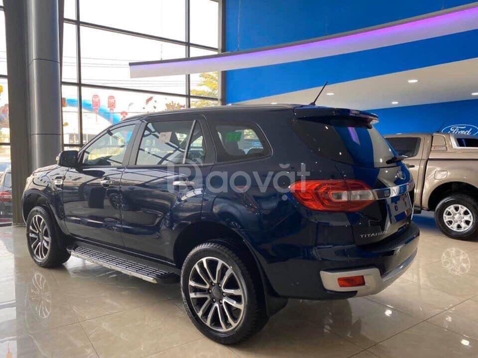 Ford Everest màu mới với nhiều nâng cấp và khuyến mãi đầu năm