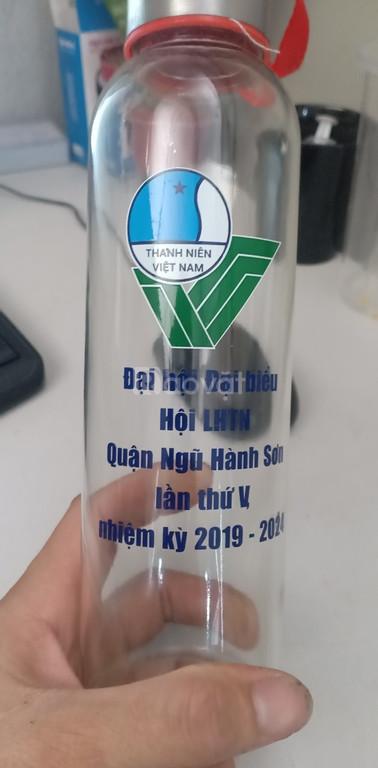 In logo lên thủy tinh quà tặng tại xưởng Đà Nẵng