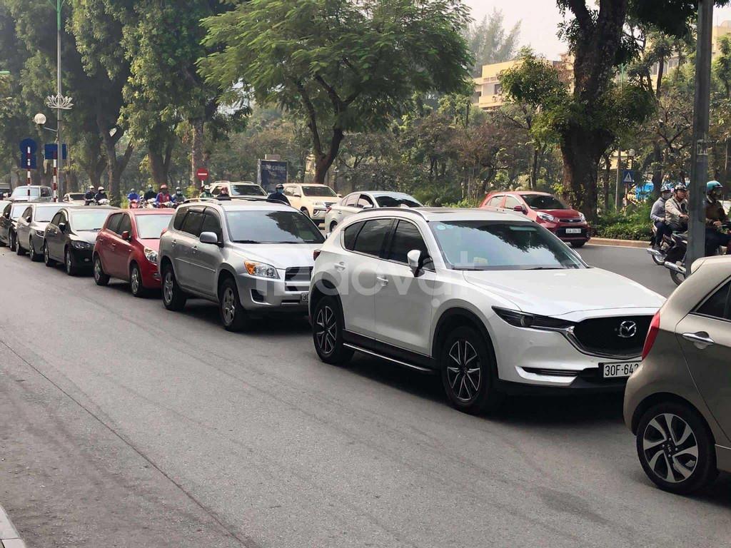 Công ty cho thuê xe ô tô có lái và tự lái