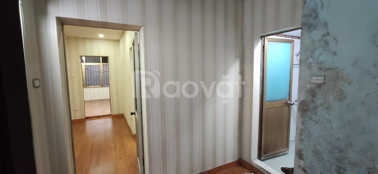 Do chuyển nhà nên cần bán gấp căn hộ tại Thành Công, HN.