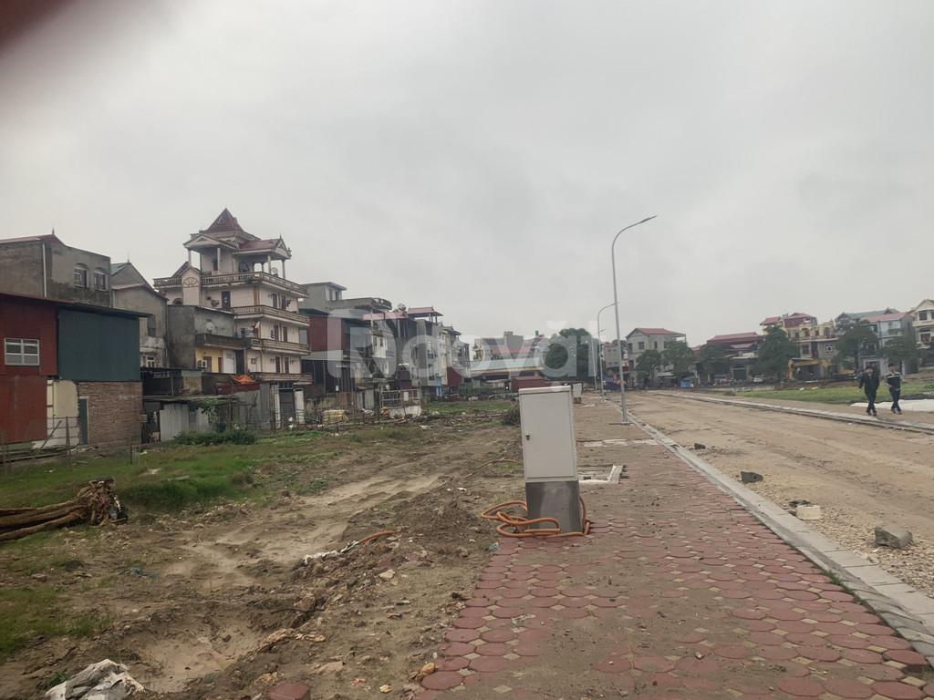 Đất mặt tiền kinh doanh ngay trung tâm thị trấn chờ Yên Phong