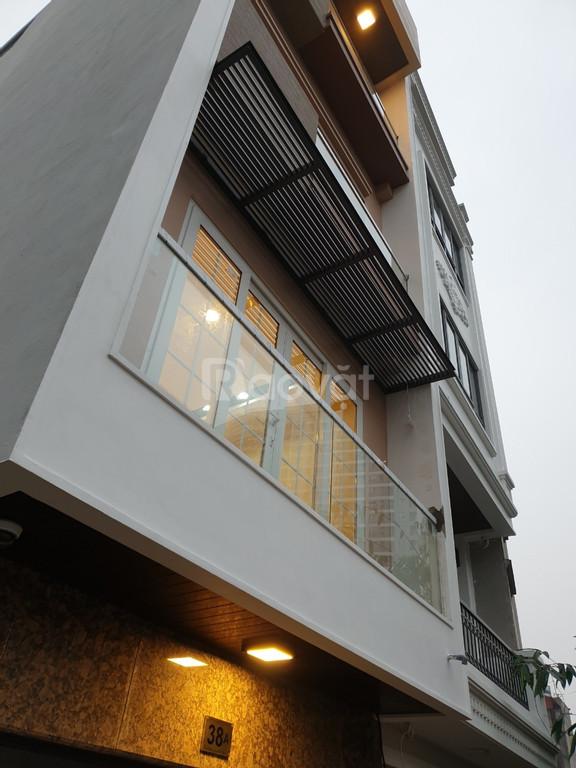 Bán nhà 40m2x5T cách Phạm Văn Đồng 300m