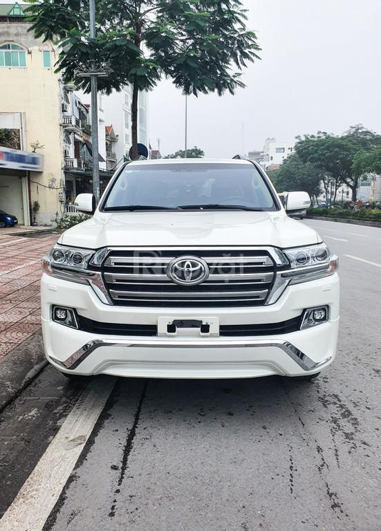 Toyota Land Cruiser 4.6 V8 2016 lướt!