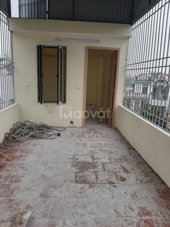 Bán nhà ngõ 281 Trương Định, Tương Mai, Hoàng Mai, DT 40m2 x 5 tầng, giá 2,4 tỷ