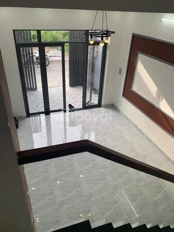 Nhà 2 lầu mới xây gần THPT Bình Chánh, 88m2, 1.65 tỷ