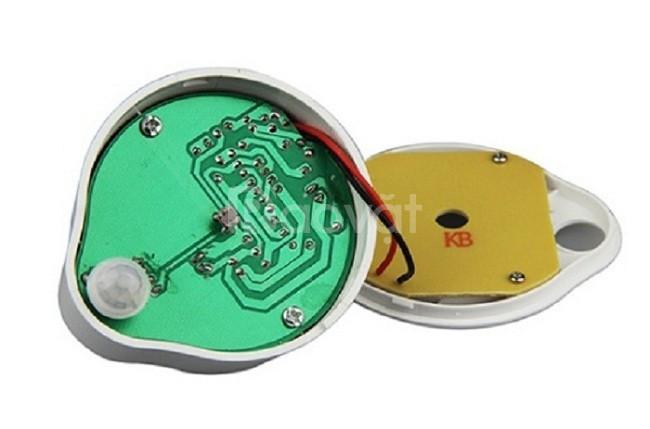 Đèn cảm ứng phích cắm SS82B