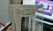 Vòng đeo tay kiêm tai nghe bluetooth Huawei Talkband B5