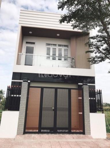 Bán gấp căn nhà ở đường Hoàng Phan Thái, cách chợ Bình Chánh 1.5km