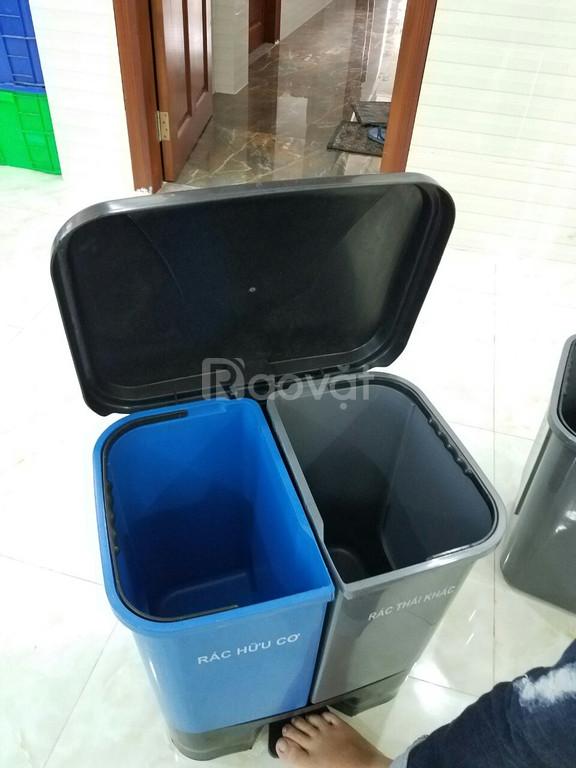 Thùng đựng rác 2 ngăn có chân đạp - giao hàng toàn quốc