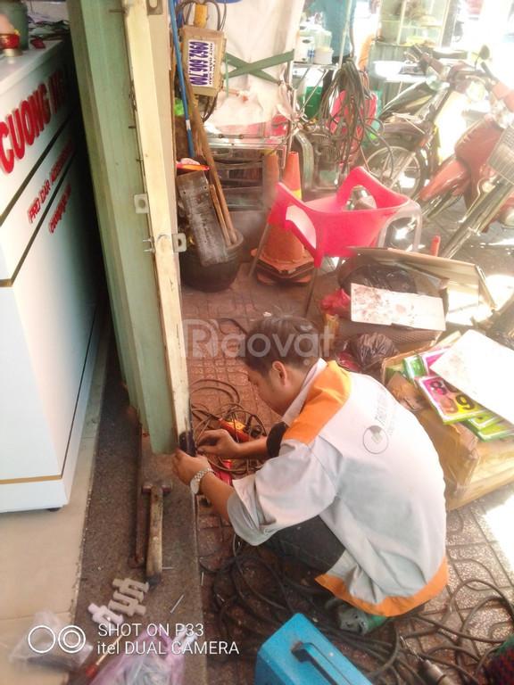 Dịch vụ sửa cửa sắt tại nhà TP HCM