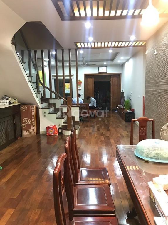 Bán nhà đẹp ô tô đỗ cửa 64m2 x 5 tầng, phố Minh Khai.