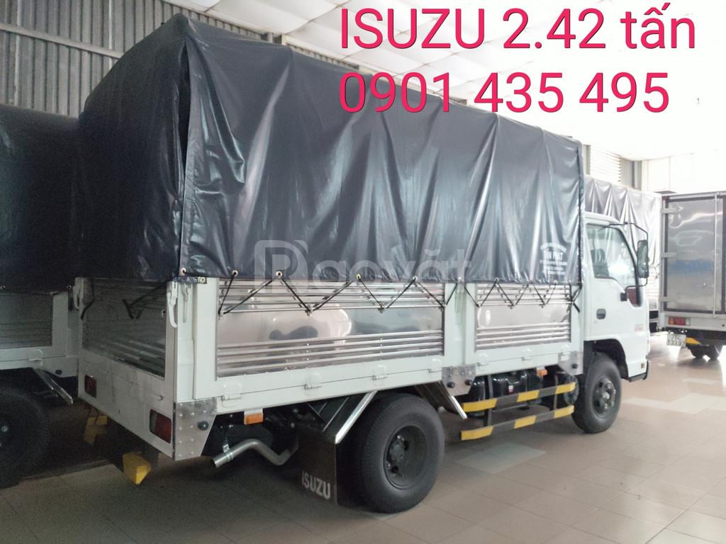 ISUZU 2.42 tấn, KM máy lạnh, 12 phiếu bảo dưỡng, Radio MP3