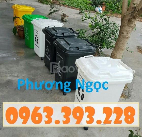 Thùng rác y tế 60L nắp kín, thùng rác y tế 4 bánh xe