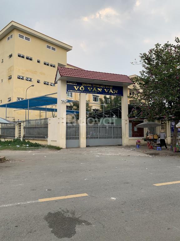 Bán lại lô đất, đường Võ Văn Vân, Phạm Văn Hai