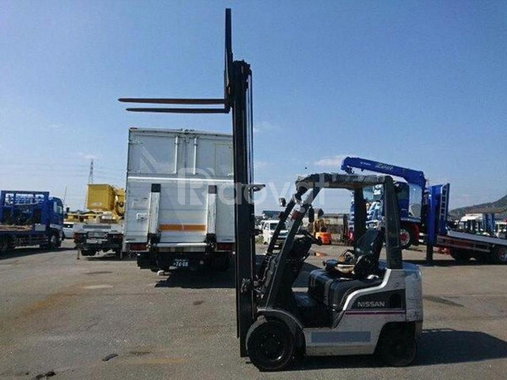 Xe nâng dầu ngồi lái hiệu Nissan EDM-F1F1, tải trọng 1.5 tấn năm 2009