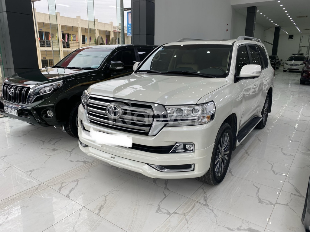 Bán Toyota Land Cruise 5.7 sản xuất 2016, đăng ký 2019