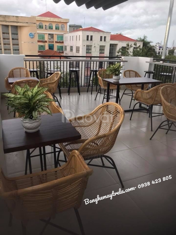 Ghế mây kết hợp chân sắt cho quán cafe
