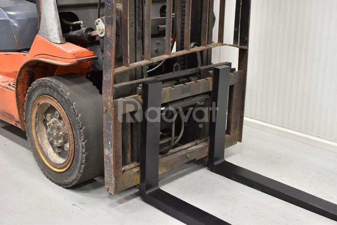Xe nâng dầu ngồi lái toyota 02-7FDF30, tải trọng 3 tấn, nâng cao 3.7m