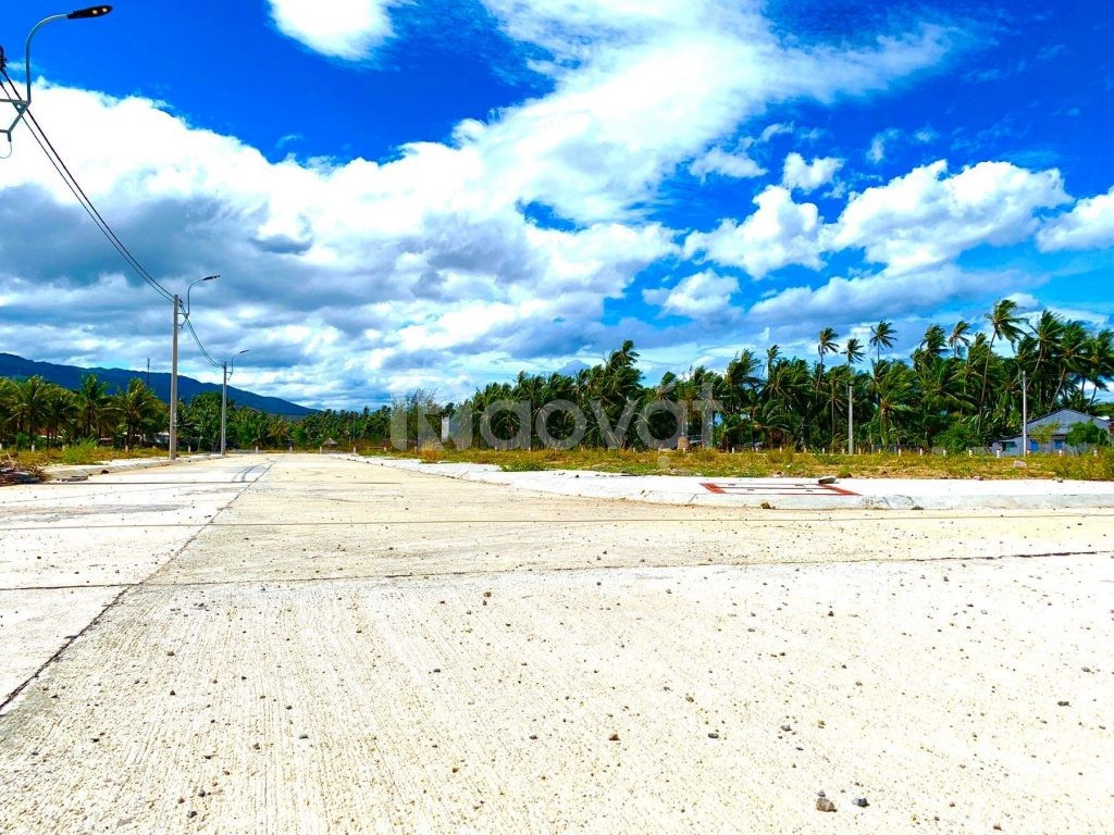 Bán 4 lô đất nền biển vị trí đẹp biển Phú Yên.