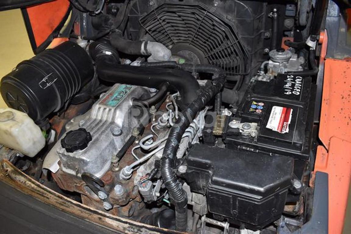 Bán xe nâng dầu cũ hiệu Toyota 02-8FDF25, 2.5 tấn, nâng cao 4.7m
