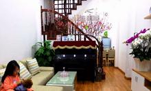 Bán nhà phố Dịch Vọng Hậu 40m2; 5 tầng; 5PN, mới đẹp