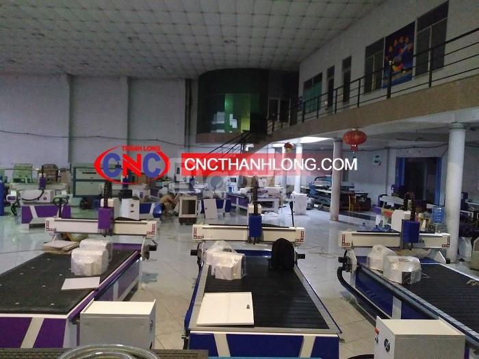 Máy cnc 1 đầu cắt quảng cáo, nội thất giá chỉ 75 triệu chính hãng