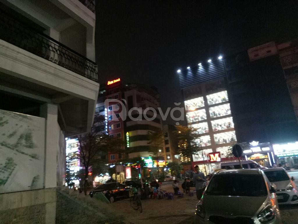 Gấp cần bán lô góc shophouse phố Wall mặt đường Trần Thái Tông.