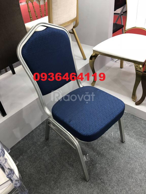 Ghế tiệc sắt khách sạn, ghế tiệc cưới nhà hàng mẫu mới 2020