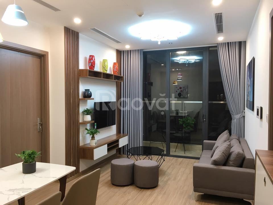 Cần bán căn hộ 2415 Eco Green City Chính chủ muốn bán căn hộ tầng 24