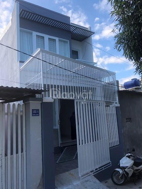 Bán nhà 2 lầu mới xây đường Dương Vân Nga, Vĩnh Hải, Nha Trang (ảnh 1)