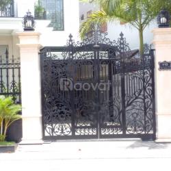 Cổng sắt cắt CNC - sắt uốn cho nhà phố, villa 2020