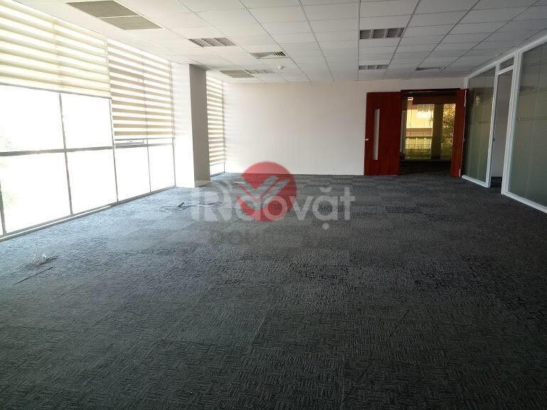 Cho thuê văn phòng quận 3, DT 225m2