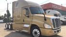 Bán xe đầu kéo Mỹ Freightliner Cascadia 2 giường đầy đủ tiện nghi (ảnh 1)