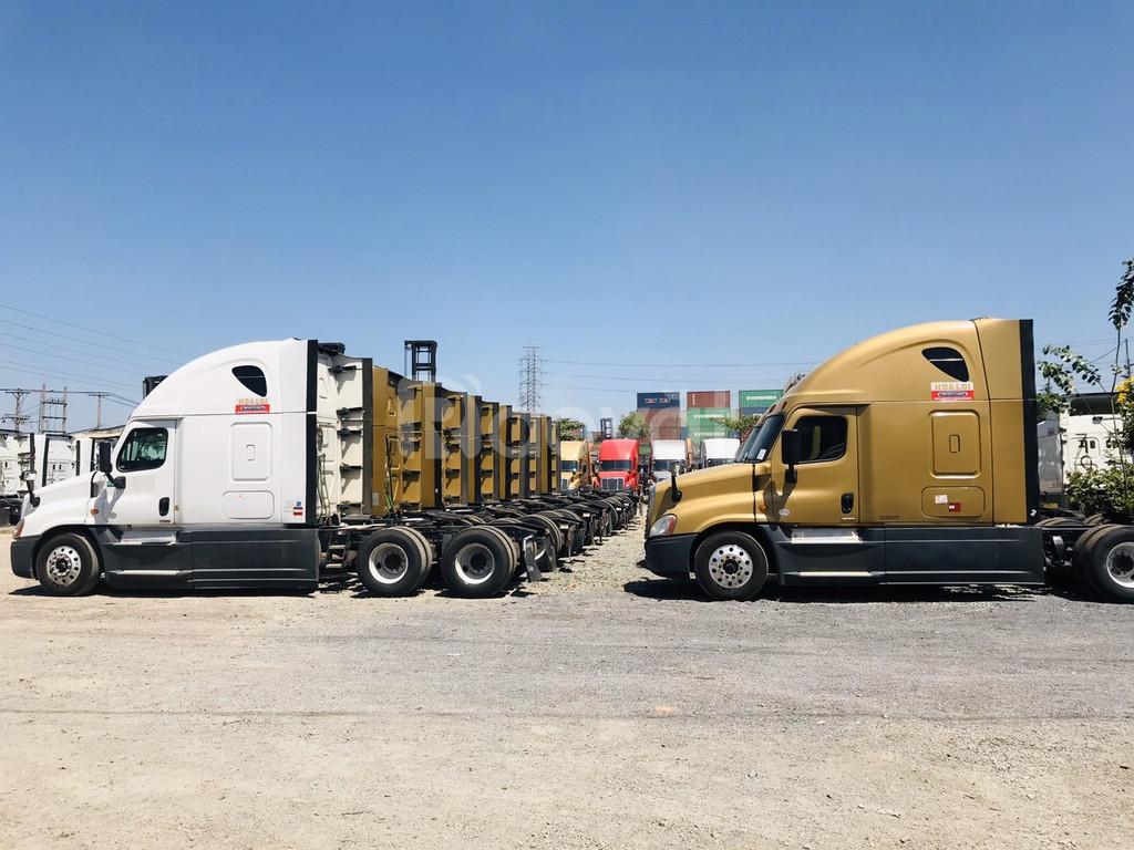 Bán xe đầu kéo Mỹ Freightliner Cascadia 2 giường đầy đủ tiện nghi (ảnh 5)