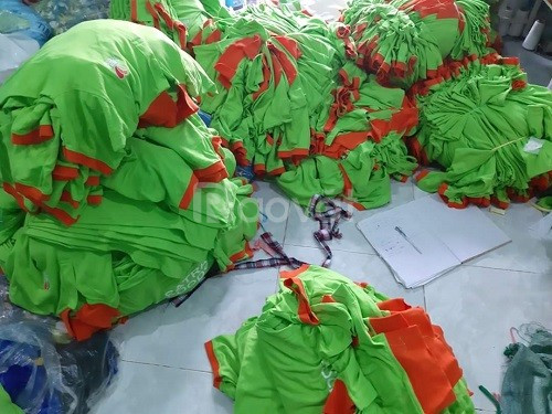 Nhận may gia công xếp ủi áo thun đồng phục giá rẻ