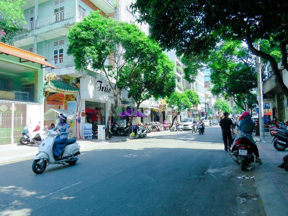 Chuyển nhượng building số 90-92 Lê Thị Riêng, P. Bến Thành, Q1