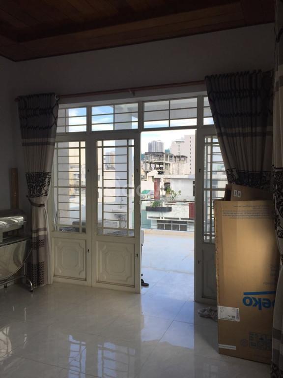 Cho thuê nhà nguyên căn đường Trần Quý Cáp Nha Trang, 320m2