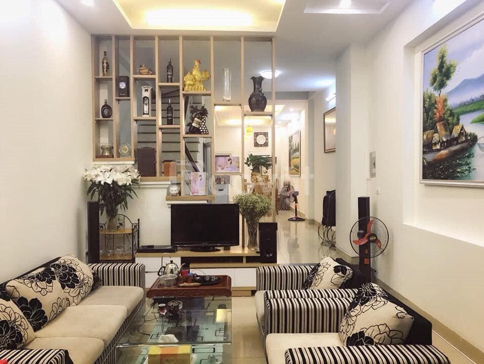 Bán nhà đẹp ô tô đỗ cửa Phố Nguyễn Chính, 60m2x 5 tầng