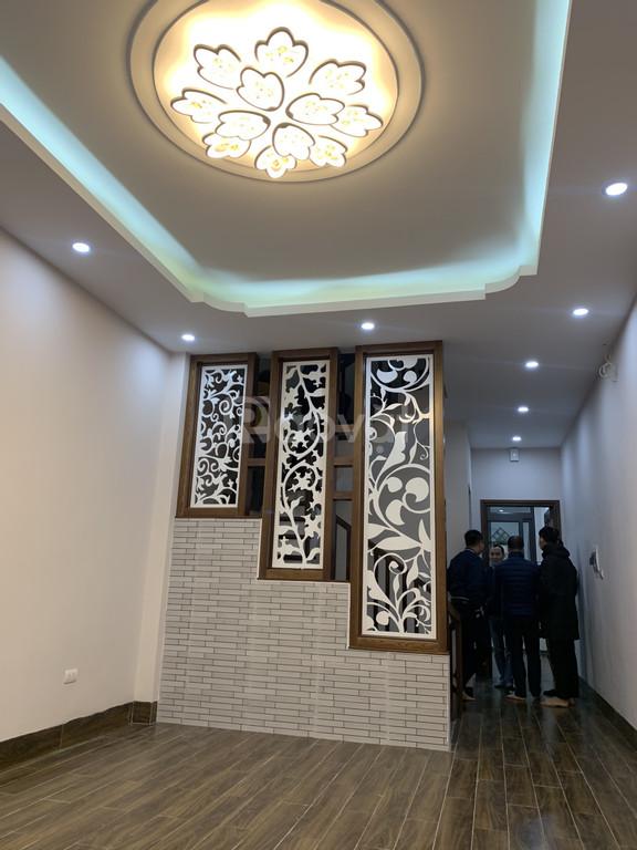 Tôi cần bán nhà ngõ 169 Hoàng Mai, Hà Nội DT 55m2x5T trước nhà rộng (ảnh 3)