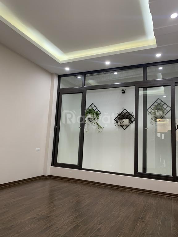 Tôi cần bán nhà ngõ 169 Hoàng Mai, Hà Nội DT 55m2x5T trước nhà rộng (ảnh 1)
