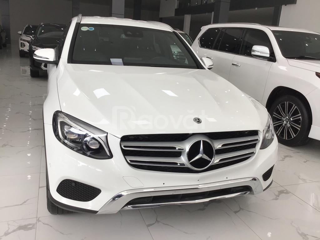Bán Mercedes GLC 250 màu trắng sẽ 2018
