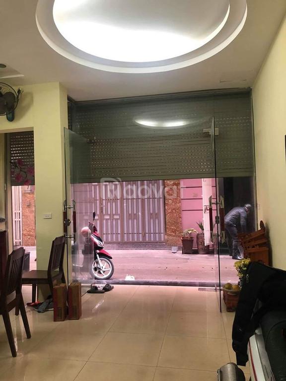 Bán nhà Phố Hoàng Văn Thái 2 mặt ngõ oto vào nhà 48x5t giá 5,2 tỷ