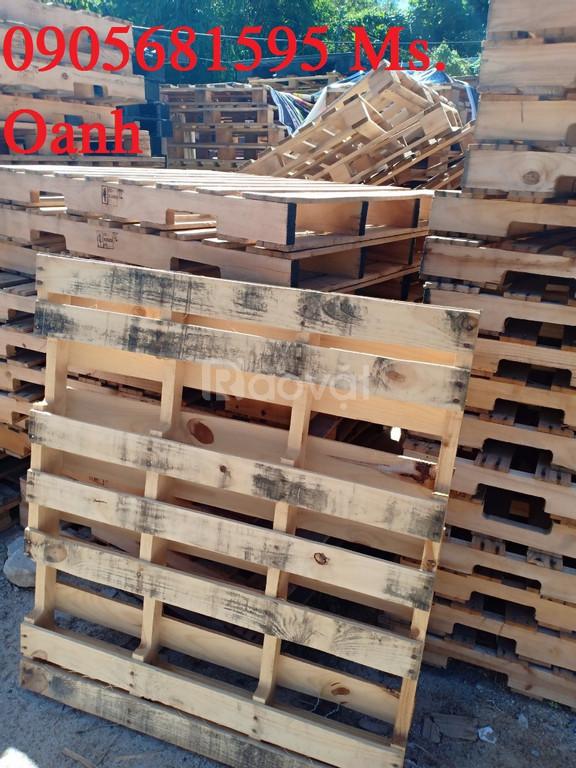 Thanh lý rẻ lô pallet 1200x1060mm kê hàng, gỗ thông đã xử lý
